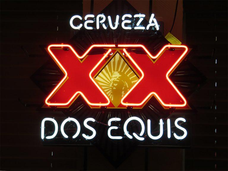 dos equis, Dos Equis neon light